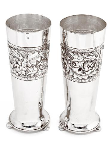 Pair of Antique Walker & Hall Silver Plated Flower Vases (1 of 4)