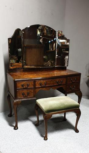 Queen Anne Burr Walnut Dressing Table & Stool (1 of 7)