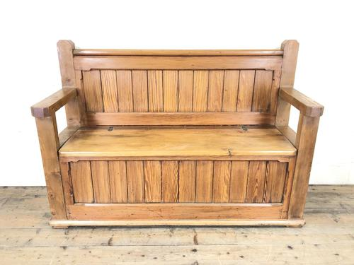 Pitch Pine and Oak Settle Bench with Storage (M-1522) (1 of 10)