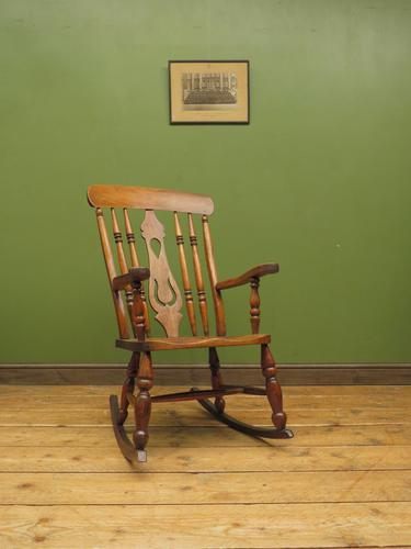 Antique Country Oak Rocking Chair with Nicely Aged Patina (1 of 14)