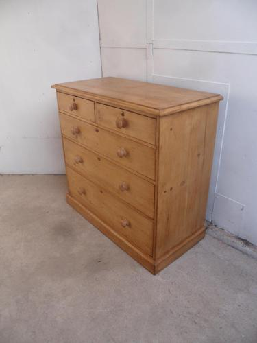 Cracking Victorian Extra Large Antique Pine 5 Drawer Chest of Drawers (1 of 10)