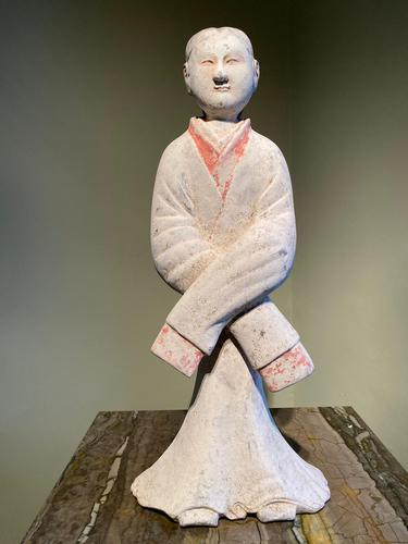 Very Elegant Han Figurine of a Courtly Lady (1 of 6)