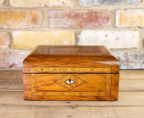 Figured Walnut Tunbridge Table Box 1880 (1 of 7)