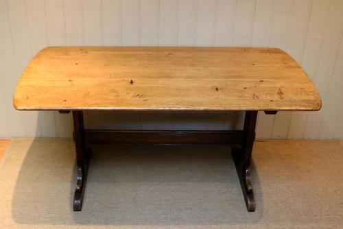 Oak Trestle Table (1 of 10)