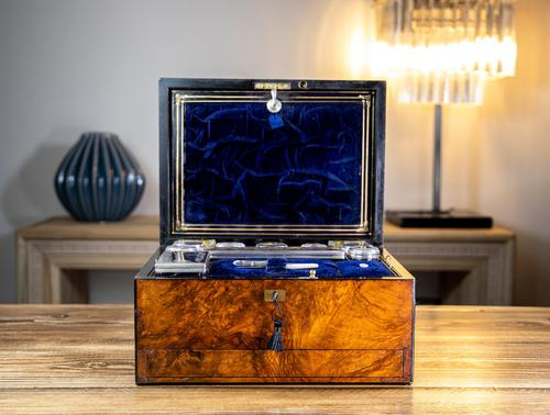 Fisher - The Strand London Vanity Box 1850 (1 of 13)