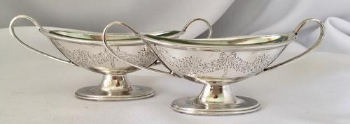 Pretty Pair of Silver Salts Retailed by Walker & Hall, London 1882 (1 of 6)