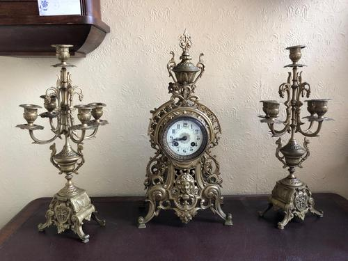 Antique French Gilded Bronze 8 Day Striking Garniture Set / Mantel Clock (1 of 9)
