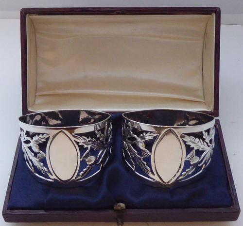 Pair of Walker & Hall Scottish Thistle 1927 Silver Napkin Rings Serviette Ring (1 of 9)