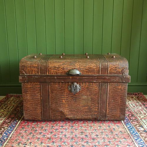 ANTIQUE Victorian Steamer TRUNK Old Tin Travel TRUNK Coffee Table Shabby Chic Metal Storage Chest (1 of 12)