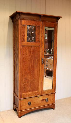 Small Proportioned Oak Arts & Crafts Wardrobe (1 of 9)