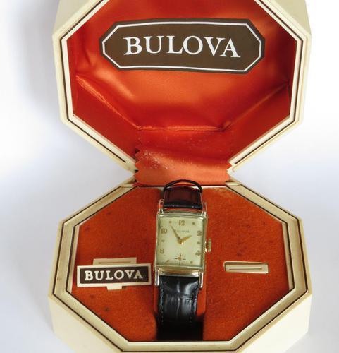 Mid-size 1953 Bulova Wrist Watch (1 of 5)