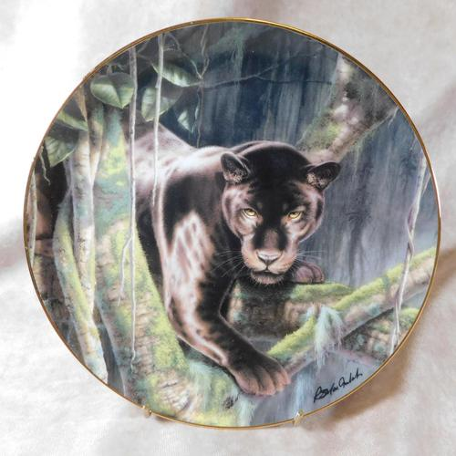 """""""Eyes of Night"""" Limited Edition Collectors Plate (1 of 2)"""