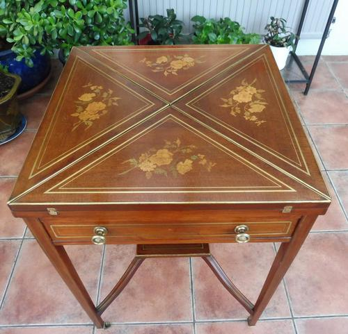 Maple & co Mahogany Inlaid Card Table / Games Table (1 of 14)