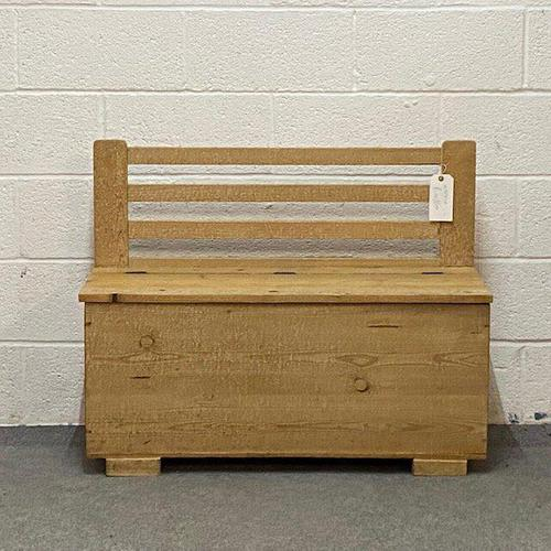 Old Pine Box Bench (1 of 4)