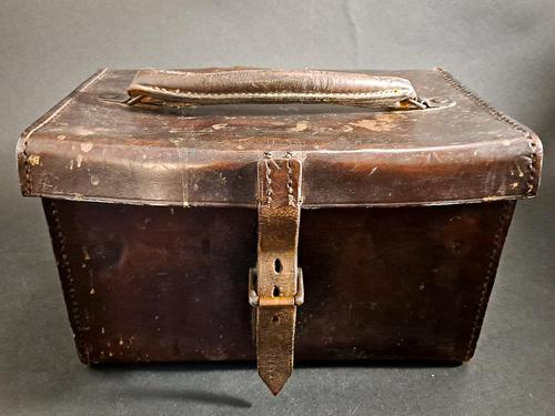 WW1 Leather Case & Effects (1 of 6)