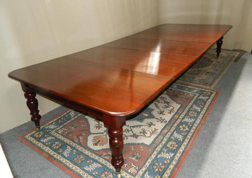 Large Mahogany Extending Dining Table (1 of 8)