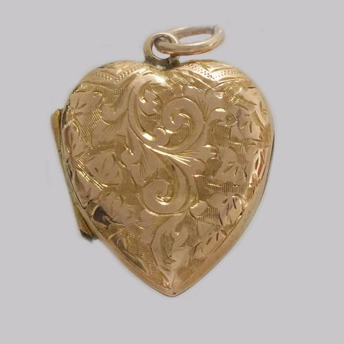 Victorian 18ct Gold Heart Locket Engraved Hinged Domed Floral Locket c.1900 (1 of 7)