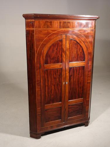 Regency Period Free Standing Mahogany Corner Cupboard (1 of 4)