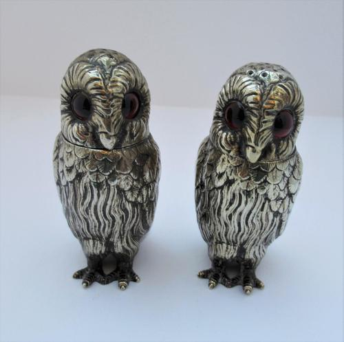 Charming Pair of Victorian EPNS Owl Pepperettes (1 of 9)