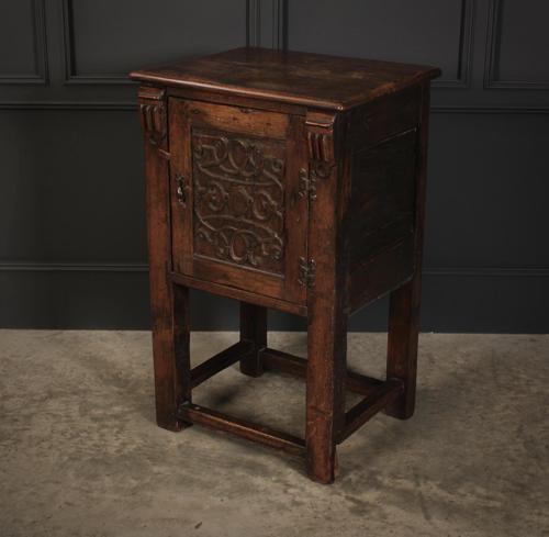 Small Oak Side Cabinet (1 of 7)