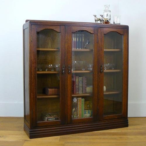 Oak 3 Door 1930s Vintage Bookcase with Keys (1 of 22)