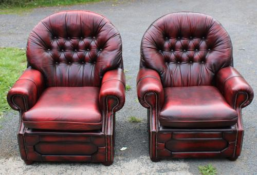 1960s Pair of Chesterfield Red Leather Highback Buttoned Armchairs (1 of 3)