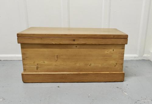 Victorian Pine Blanket Box, Coffee Table (1 of 6)