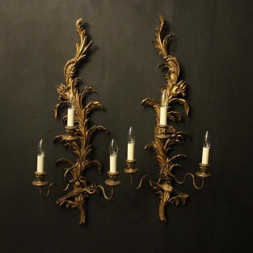 Florentine Pair of Giltwood Leaf Wall Lights (1 of 9)