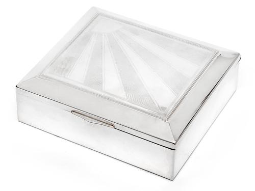 Vintage Silver Plate Box with a Hinged Lid Featuring a Star Burst and Engine Turned Design (1 of 4)