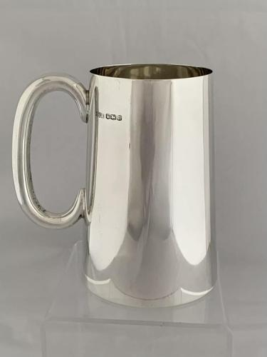 Large Solid Silver Tankard or Pint Mug 1943 Sheffield Sterling Silver Beer Mug (1 of 10)