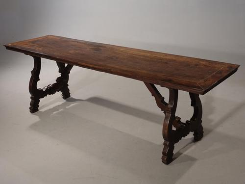 Very Fine Late 17th / Early 18th Century Spanish Walnut Table (1 of 5)