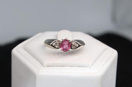 9ct Gold & Diamond Ring, size N, weighing 3.1g (1 of 4)