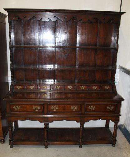 1960's Large Oak Dresser with Crossbanding and display rack with Spice Drawers (1 of 4)