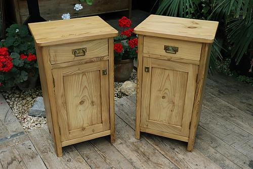 Fantastic & Large Pair of Old Stripped Pine Bedside Cabinets - We Deliver! (1 of 9)
