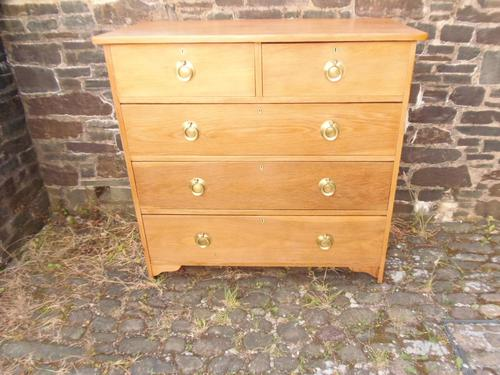Arts & Crafts Oak Chest of Drawers (1 of 14)