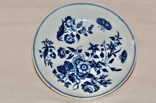 """18th Century Worcester Porcelain """"Three Flowers"""" Saucer c.1770-80 (1 of 4)"""