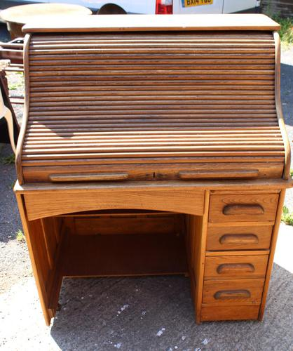 1920s Single Pedestal Oak Stype Rolltop Desk (1 of 6)