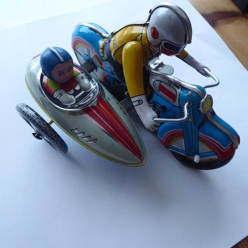 Chinese Tinplate Motorbike & Sidecar (1 of 11)