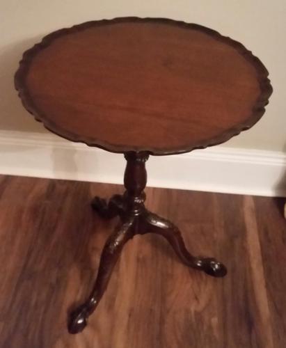 George III Mahogany Piecrust Wine Table (1 of 7)