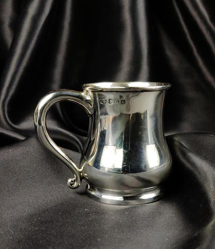 Late 1930's Miniature Silver Tankard (1 of 6)