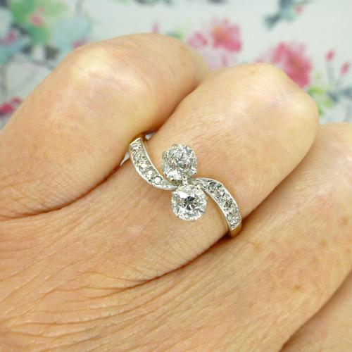 Antique Edwardian 18ct Old mine cut Diamond two stone engagement ring c.1910 (1 of 10)