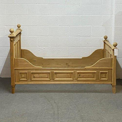 Decorative Old Pine Sleigh Bed c.1910 (1 of 3)