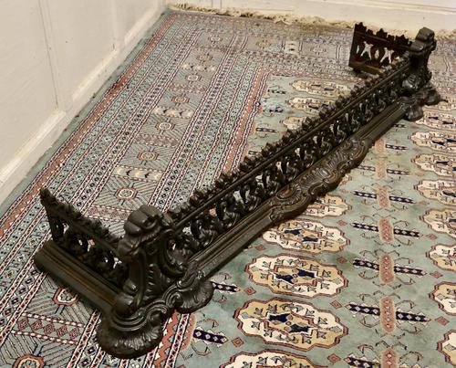Decorative Victorian Cast Iron Fender (1 of 8)