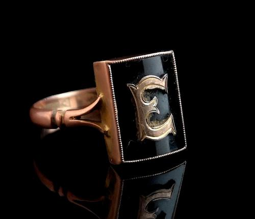 Antique Victorian mourning ring, 9ct Rose gold, Letter E (1 of 11)