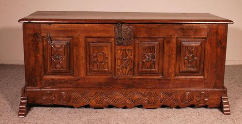 Spanish Chest From The 17th Century In Oak From The Kingdom Of Castille (1 of 10)