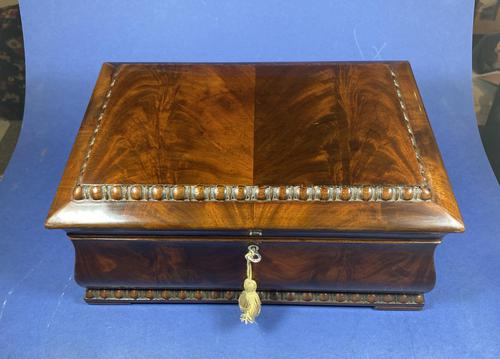 William IV Flame Mahogany Jewellery Box (1 of 20)
