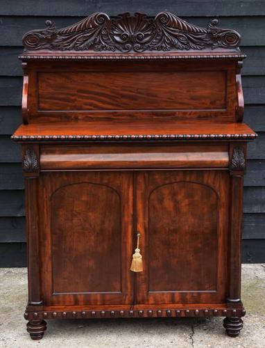 Superb Regency Mahogany Cabinet / Cupboard / Chiffonier c.1820 (1 of 8)