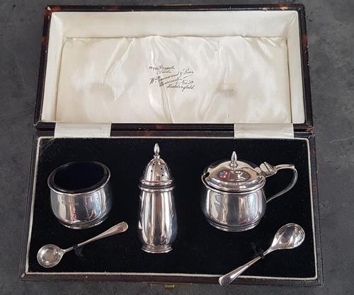 Boxed Hallmarked Silver Cruet Set (1 of 5)