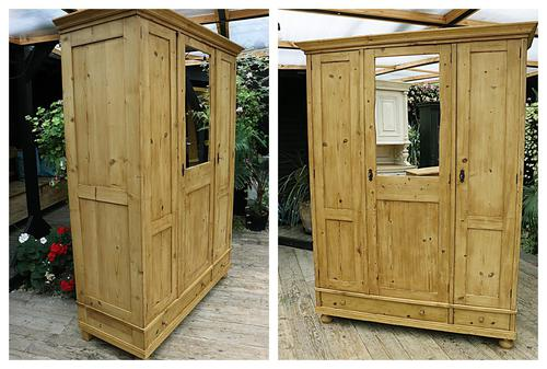 Lovely Old Antique Pine Triple 'knock down' Wardrobe - We Deliver / Assemble (1 of 8)