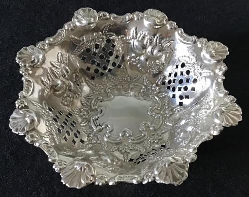 Silver Reticulated, Repousse Decorated  Bon Bon  Dish  Birmingham 1907 (1 of 5)